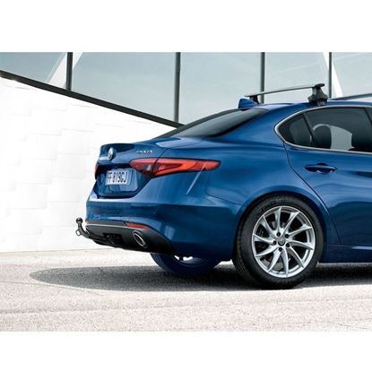 Picture of Giulia DETACHABLE TOW BAR